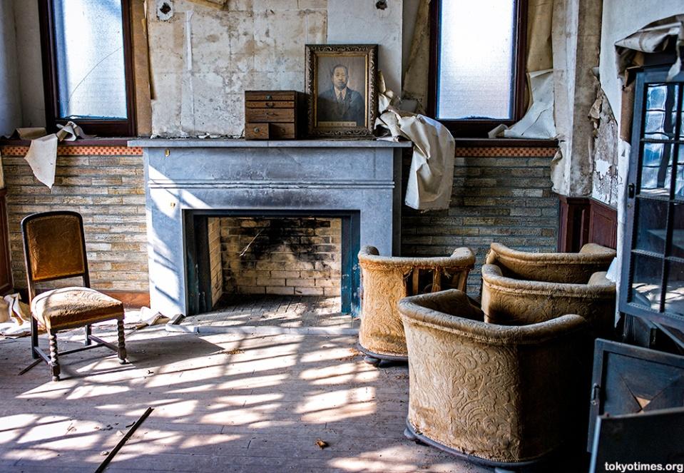 abandoned-house1
