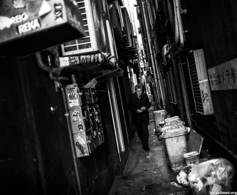 dirty-shinjuku-alley