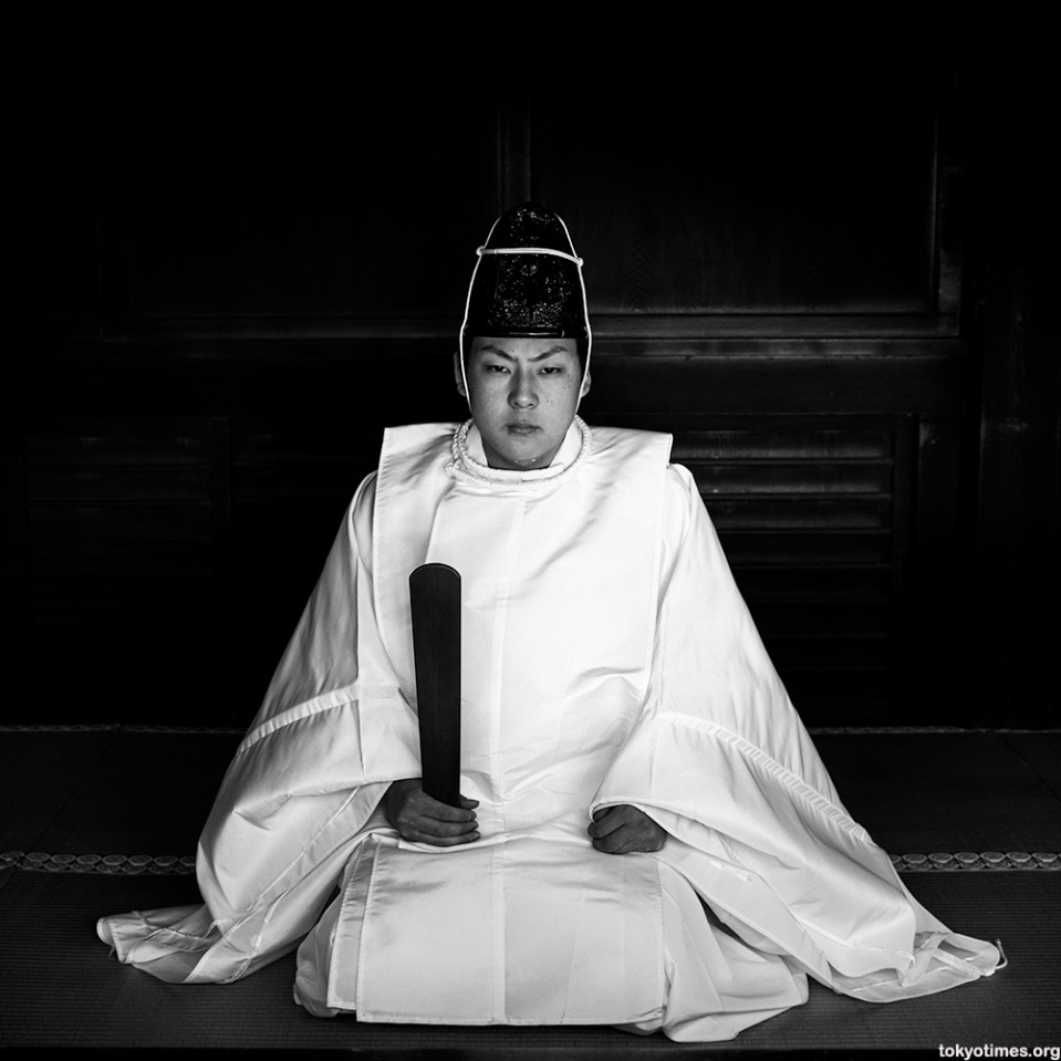 japanese-shinto-priest